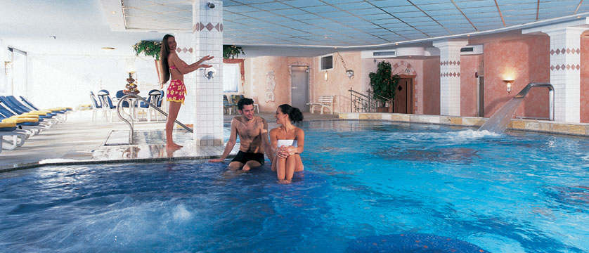 austria_seefeld_hotel-schoenruh_indoor-pool.jpg